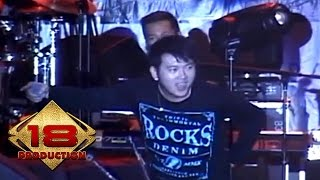 Video Five Minutes - Galau (Live Konser Banjarnegara Jateng 28 Agustus 2013) download MP3, 3GP, MP4, WEBM, AVI, FLV Oktober 2017