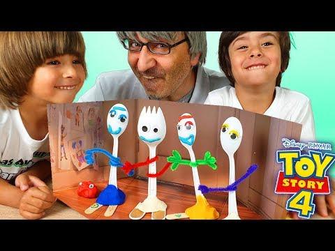 DANI Y EVAN Aprenden COMO HACER A FORKY De TOY STORY 4 Con El PROFESOR BIZCOCHE