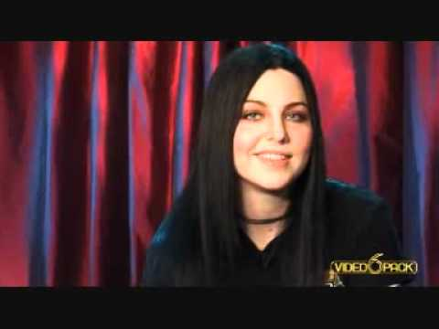 Amy Lee (from Evanescence) introducing Madonna's Frozen