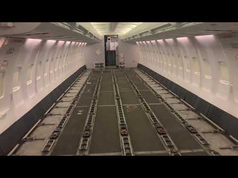 Canadian North Boeing 737-300combi