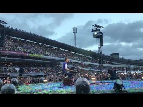 Everglow Coldplay Gothenburg Live