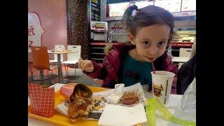 Yılbaşı Alışverişi Yaptık...Öküz Burger de Hamburger Yedik...