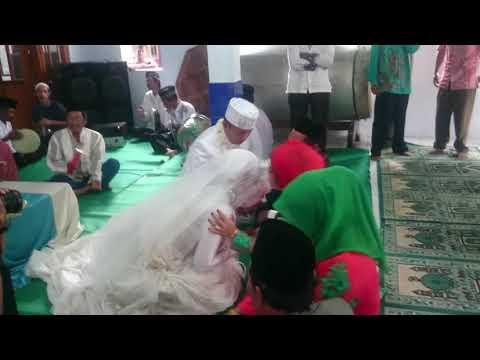 Sungkeman Pernikahan Muslim Adat Jawa