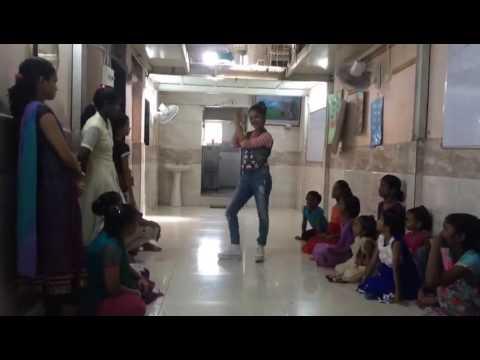 Anushka sen dance(1)