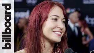 "Lauren Daigle Explains How Miley Cyrus Was ""The Beginning"" of Her Music 
