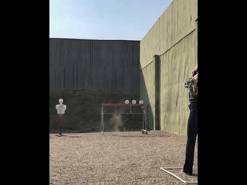 Лиза Пескова проходит обучение стрельбе в Чечне