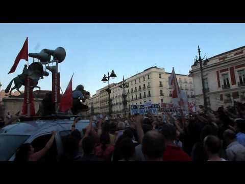 Santa Bárbara bendita cantada en la Puerta del Sol #marchaminera