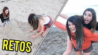 RETOS EN LA PLAYA   NOS ENTERRAMOS EN LA ARENA   Lyna Vlogs ft. Lenay