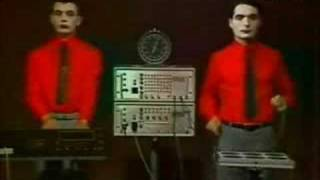 Kraftwerk - The Robots - Radioactivity - 1978 French TV