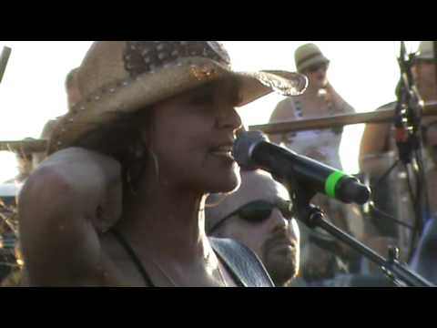 Gretchen Wilson on Kid Rock's Chillin the Most 2 Cruise