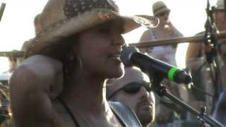 Gretchen Wilson on Kid Rock