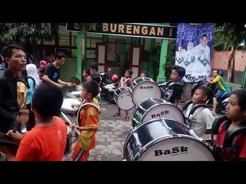 Latihan Drumband Lagu Laskar Pelangi