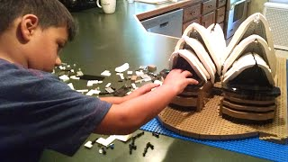 4yr old builds 2989 Piece LEGO® Creator Expert Sydney Opera House - Time Lapse Build!