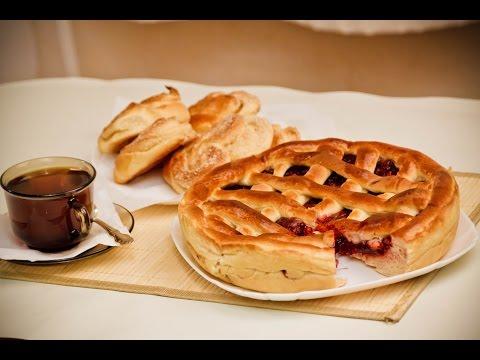 Сдобный пирог с вареньем. Воскресный завтрак.