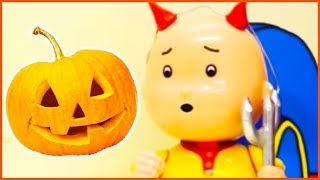 CAILLOU HALLOWEEN COSTUMES | Halloween 2017 | Funny Cartoons for Children | TOYS FOR KIDS