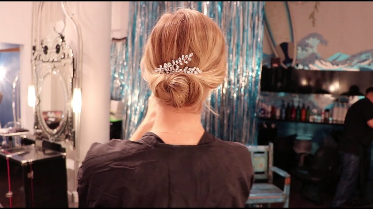 Simple Messy Bun Tutorial Perfect For A Summer Wedding