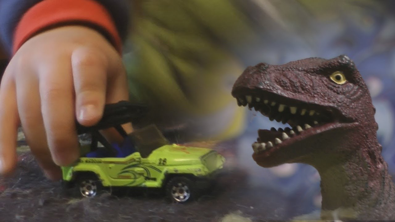 HOT WHEELS CAR RACE Kids Playing DINOSAURS Imagination FUN!!!