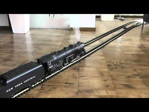 Indoor g scale Hudson with heavyweights in HD