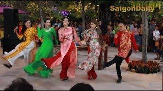 Lô tô show: Đoàn Tân Thời bung xõa ở Happy Land (Long An) mùng 5 Tết