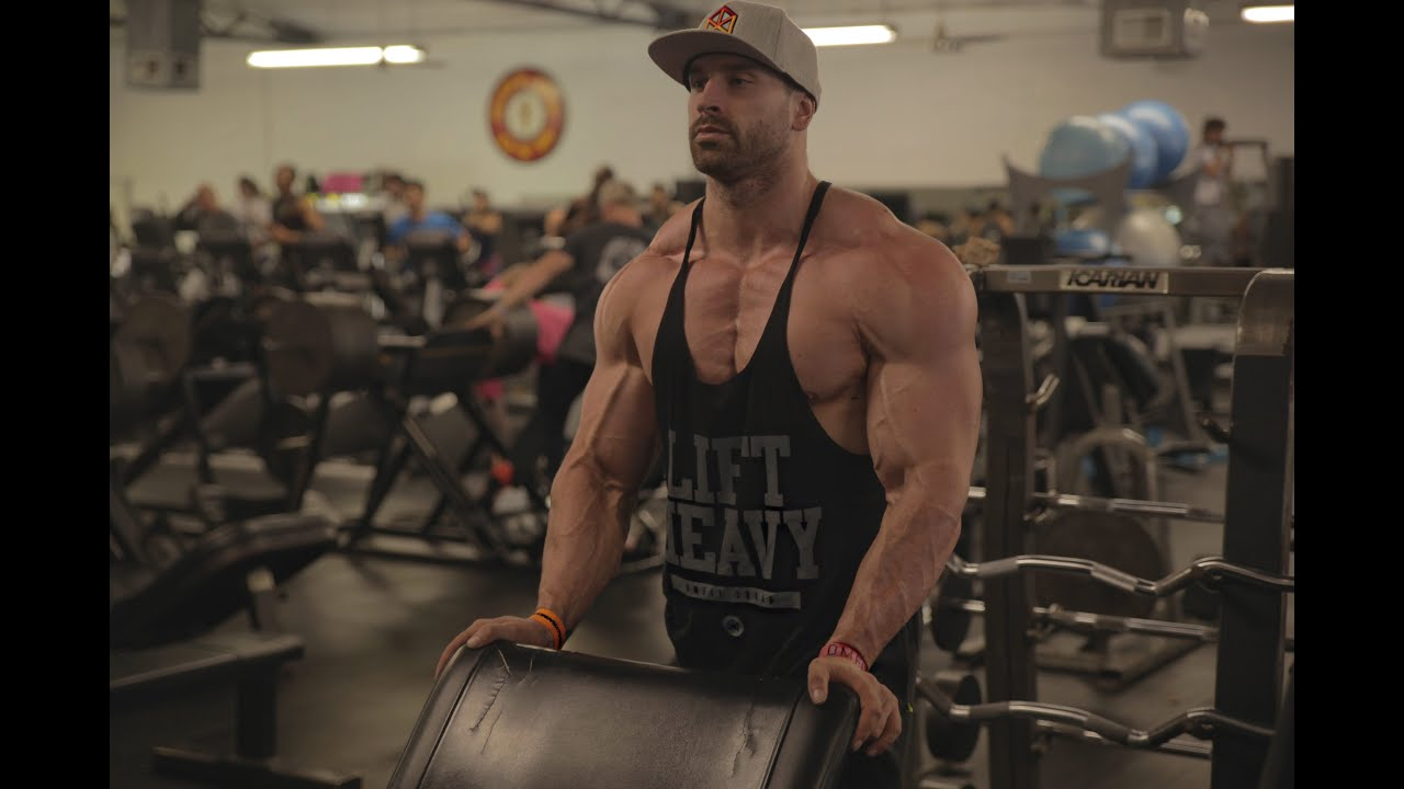 BUILDING A BIGGER UPPER CHEST : FULL ROUTINE : Bradley ...