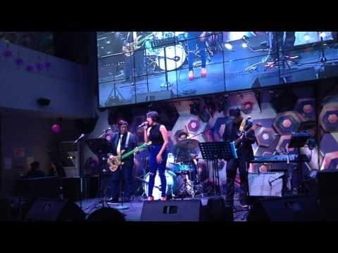 Cookies n Cream Band at KPub BGC, with a cover of Flashlight