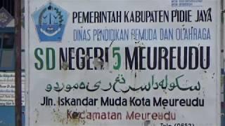 PULUHAN SEKOLAH HANCUR AKIBAT GEMPA BUMI | Taufiq transTV