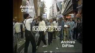 """DiFilm - Protesta por el estreno de la Película """"Evita"""" de Alan Parker (1997)"""