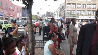 #AngelInTrainingTV A Sunday Afternoon Walk down 125th Street (1)