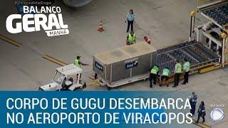 Veja o momento em que o corpo de Gugu Liberato chega ao Brasil