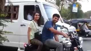 Exclusive : Aditya Roy Kapoor & Shraddha Kapoor zoom away on a Bike : At Khar Signal