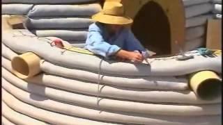 Construccion de un Eco Domo con super adobe por Nader Khalili