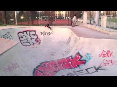Remy Taveira, first day bowl de la muette - Antiz skateboard