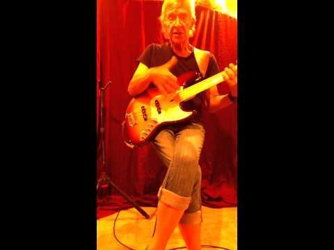 Sire Bass V7 preamp