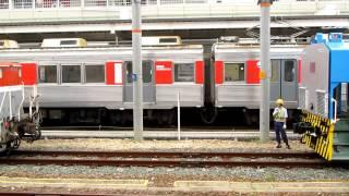 甲種車両輸送 中国・宝山鋼鉄ディーゼル機関車 連結作業 @豊橋