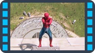 Спасение людей в падающем лифте — «Человек-паук: Возвращение домой» (2017) сцена 3/3 HD