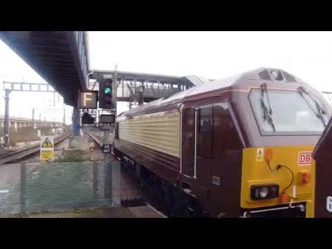 DB 67024 leads failed 67021 and the Orient express out of Ashford platform 5.