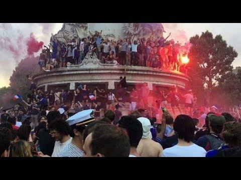 Les Bleus champions du monde : immense fête populaire place de la République à Paris