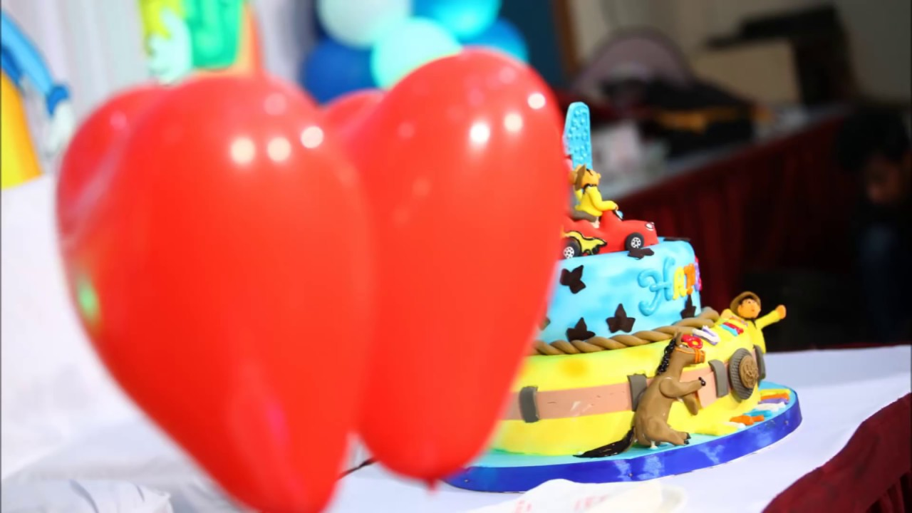 Simple balloon decorations at home for birthday youtube for Balloon decoration ideas at home