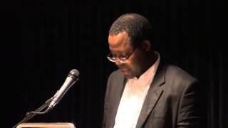 Prof Elísio Macamo introducing Dr Mamphela Ramphele