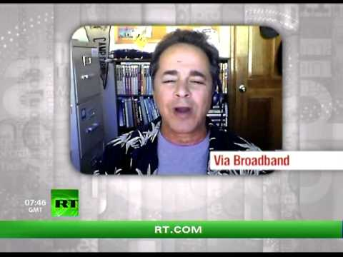 Keiser Report: Gold vs Paper (E306)