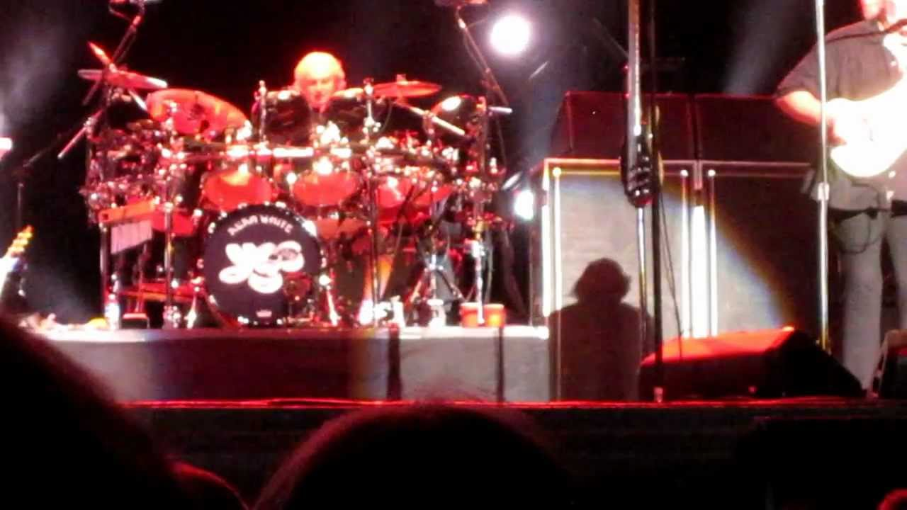yes-fly-from-here-pt-iii-madman-at-the-screens-from-alpharetta-atlanta-july-31-2012-yesfandon