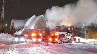 Montréal: Presbytère d'église en feu / Church's rectory on fire 1-27-2019