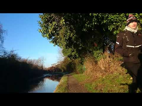 London canal cycling and walking in winter