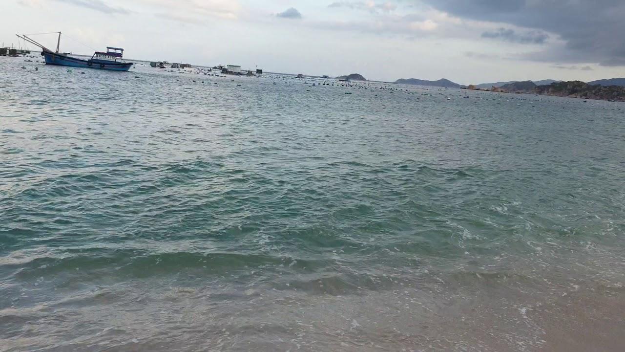 5.3.2020 Bãi biển ở tp Cam Ranh đẹp tuyệt vời, đất ven biển có hơn 2 triệu 1m2