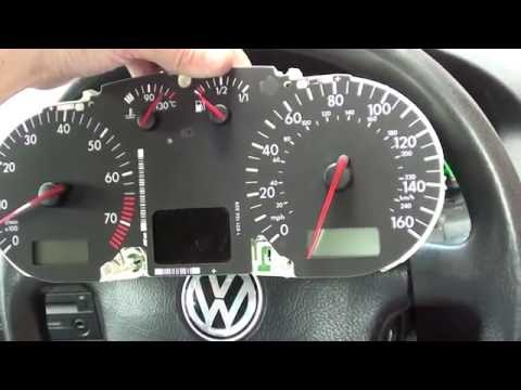 Sneaky Previous Owner Removed Bulbs Behind VW Golf Mk4 Dashboard ABS LIGHT
