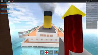 playing a boat game in ROBLOX PLAYER
