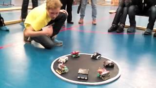 Сумо самодельных роботов-высший пилотаж