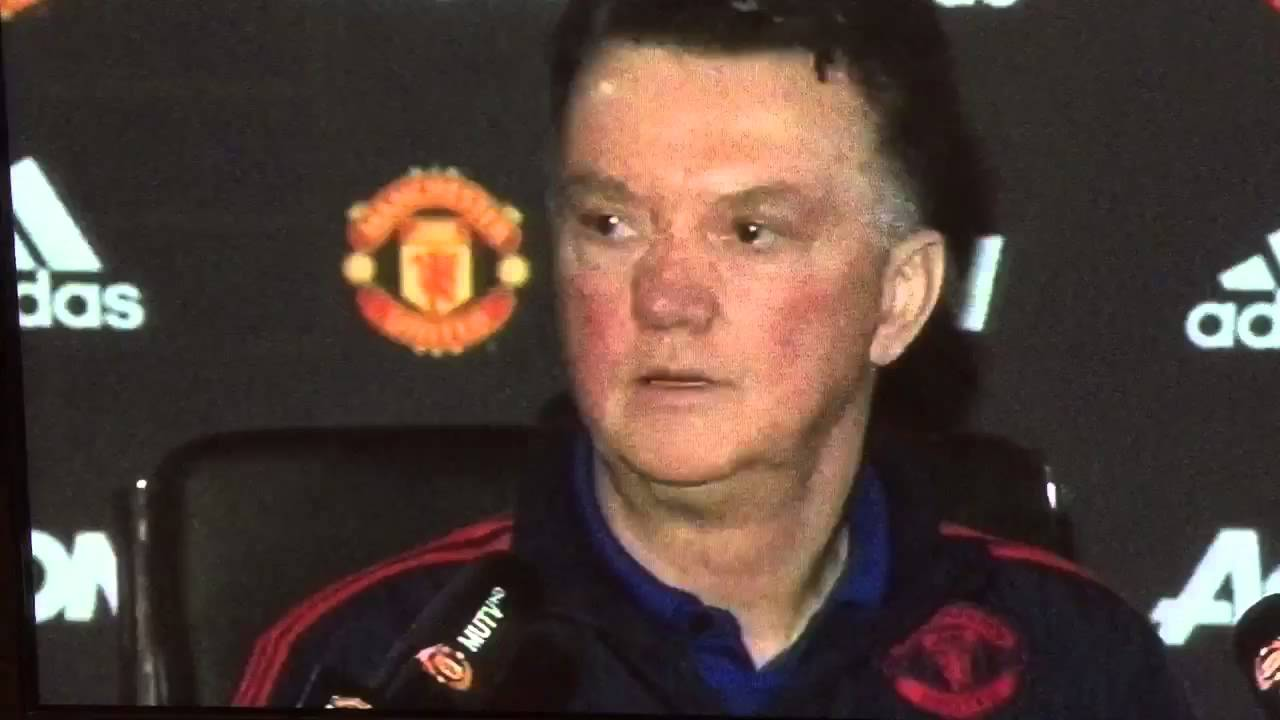 Louis Van Gaal Walks Out Of Press Conference, Refusing To