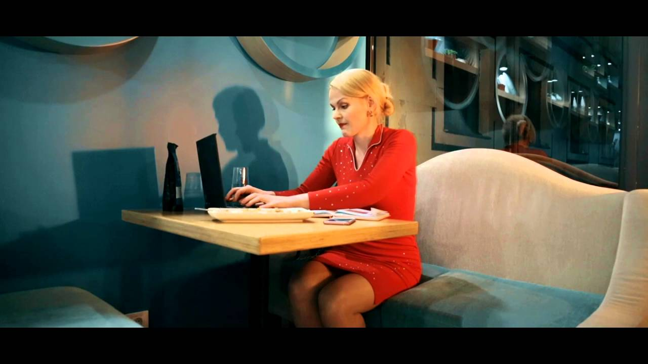 Desperate to use the bathroom - Desperate Lady Takes A Break Funny Viral Video 2016 Indicator Locks