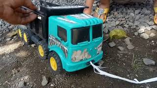 Download truk oleng olengan